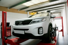 Hunter Hawkeye Elite TD four-wheel alignment on Kia Sorrento