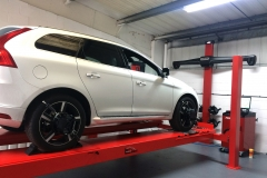 Hunter Hawkeye Elite TD four-wheel alignment on a Volvo vehicle